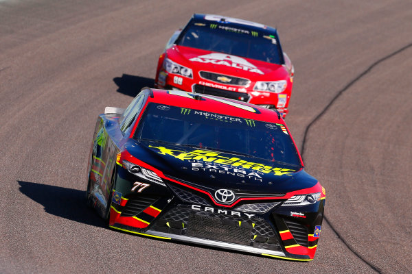 Monster Energy NASCAR Cup Series Ford EcoBoost 400 Homestead-Miami Speedway, Homestead, FL USA Sunday 19 November 2017 Erik Jones, Furniture Row Racing, 5-hour ENERGY Extra Strength Toyota Camry and Dale Earnhardt Jr, Hendrick Motorsports, Axalta Chevrolet SS World Copyright: Russell LaBounty LAT Images