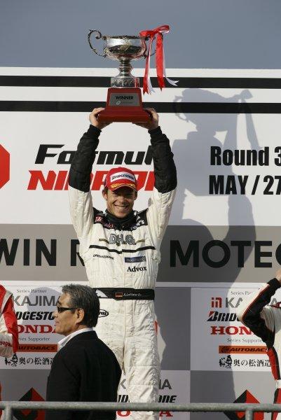 2006 Formula Nippon ChampionshipTwin-Ring Motegi, Japan. 28th May 2006Race podium - winner Andre Lotterer (DHG Tom's) 1st position.World Copyright: Yasushi Ishihara/LAT Photographicref: Digital Image 2006FN_R3_007