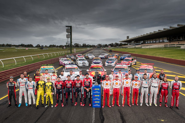 2017 Supercars Championship Round 10.  Sandown 500, Sandown Raceway, Springvale, Victoria, Australia. Thursday 14th September to Sunday 17th September 2017. Supercars retro round team photo. World Copyright: Daniel Kalisz/LAT Images Ref: Digital Image 140917_VASCR10_DKIMG_0225.jpg