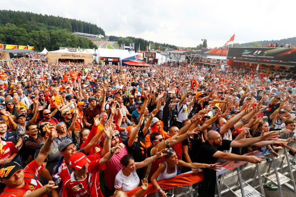 Spa Francorchamps, Belgium.  Saturday 26 August 2017. Fans gather around the stage in the F1 Fanzone. World Copyright: Steven Tee/LAT Images  ref: Digital Image _R3I0435