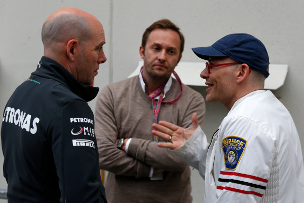 Circuit de Catalunya, Barcelona, Spain 10th May 2013 Geoff Willis, Technology Director, Mercedes AMG, talks with Jacques Villeneuve. World Copyright: Charles Coates/LAT Photographic ref: Digital Image _N7T3237