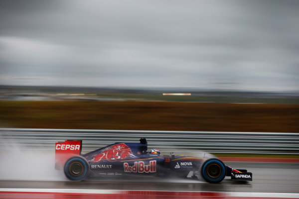 Circuit of the Americas, Austin, Texas, United States of America. Sunday 25 October 2015. Max Verstappen, Toro Rosso STR10 Renault. World Copyright: Glenn Dunbar/LAT Photographic. ref: Digital Image _89P5292