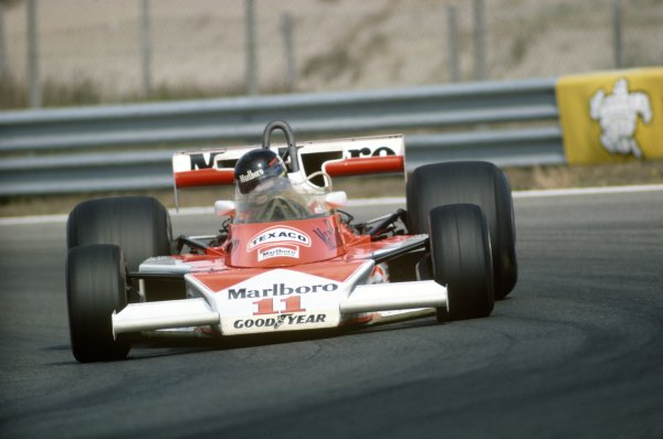 Zandvoort, Holland. 27th - 29th August 1976.  James Hunt (McLaren M23-Ford), 1st position, action.  World Copyright: LAT Photographic.  Ref: 76 HOL