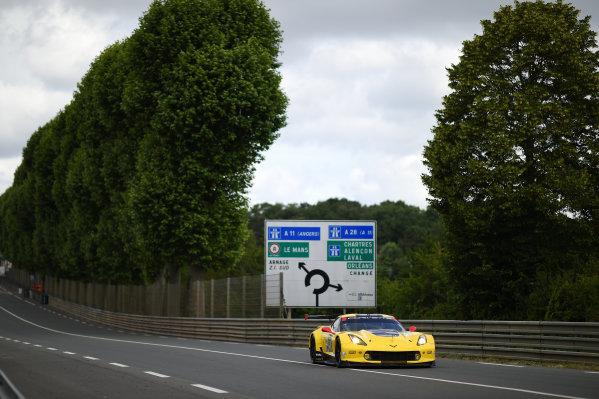2017 Le Mans 24 Hours test day. Circuit de la Sarthe, Le Mans, France. Sunday 4 June 2017 #64 Corvette Racing Corvette C7.R: Oliver Gavin, Tommy Milner, Marcel Fassler World Copyright: Rainier Ehrhardt/LAT Images ref: Digital Image 24LM-testday-re-2667