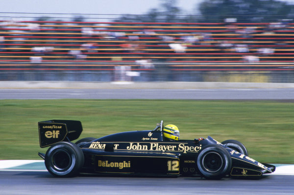 1986 Mexican Grand Prix  Mexico City, Mexico. 9-12th October 1986.  Ayrton Senna, Lotus 98T Renault, 3rd position.  Ref: 86MEX22. World copyright: LAT Photographic