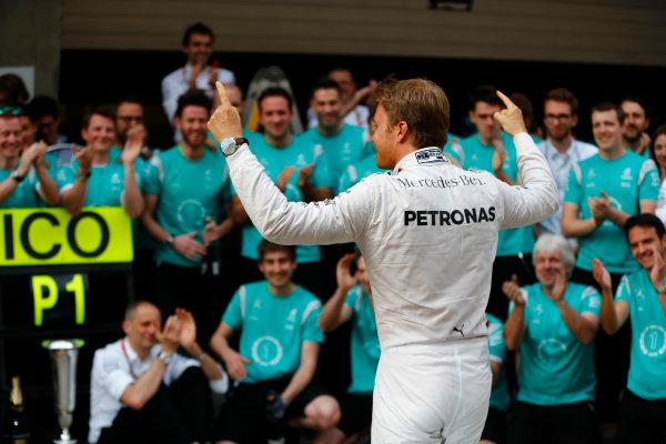 Shanghai International Circuit, Shanghai, China. Sunday 17 April 2016. Nico Rosberg, Mercedes AMG, 1st Position, celebrates with his team. World Copyright: Andy Hone/LAT Photographic ref: Digital Image _ONY5779