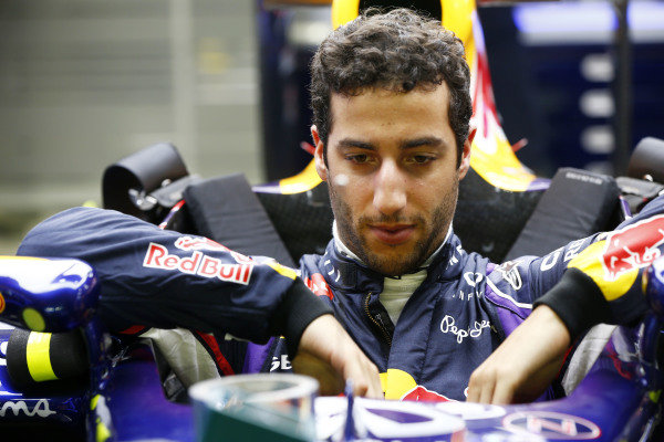 Marina Bay Circuit, Singapore. Thursday 18 September 2014. Daniel Ricciardo, Red Bull Racing. World Copyright: Andy Hone/LAT Photographic. ref: Digital Image _ONZ1875