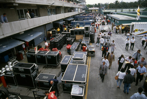 Arrows unpack their freight in the paddock. Formula One Championship, Mexican Grand Prix, Mexico City, 24 June 1990.