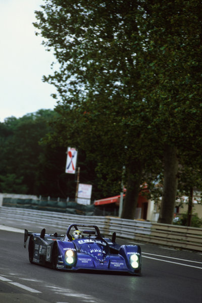 Le Mans, France. 12th - 13th June 1999.Alex Caffi/Andrea Montermini/Mimmo Schiattarella (Courage C52 Nissan), 6th position, action. World Copyright: LAT Photographic.Ref:  99LM15.
