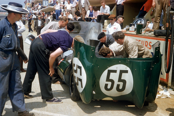 Le Mans, France. 22-23 June 1957. Cliff Allison/Keith Hall (Lotus 11-Climax), 14th position and winner of the Index of Performance, in the pits. World Copyright: LAT Photographic Ref: 57LM16