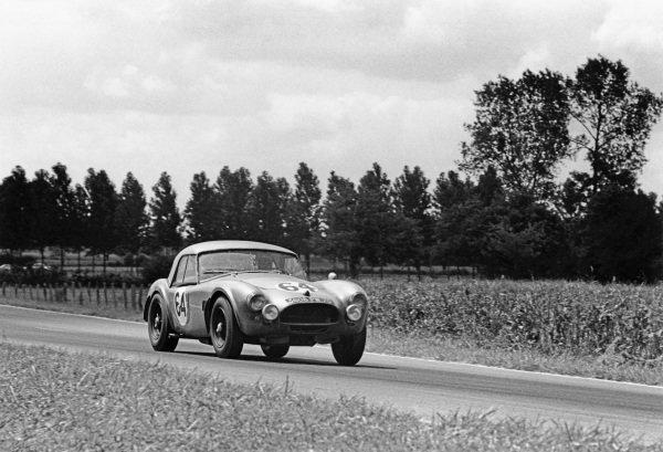 Le Mans, France. 20th - 21st June 1964.Regis Fraissinet/Jean de Mortemart (A C. Cobra), 18th position, action. World Copyright: LAT Photographic.Ref: 11026F - 30A.