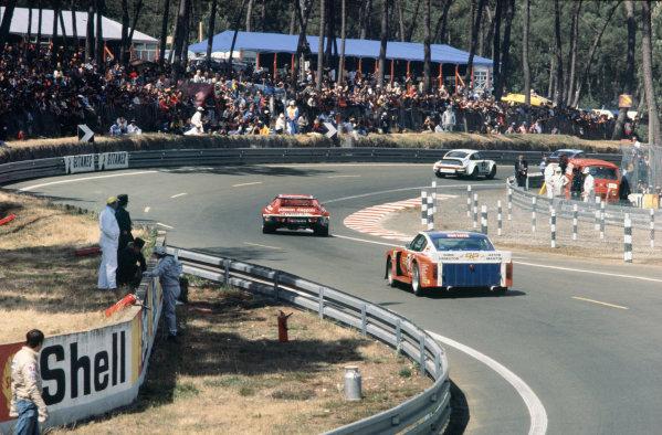 Le Mans, France. 11th - 12th June 1977 Robin Hamilton/David Preece/Mike Salmon (Aston Martin V8), 17th position, action. World Copyright: LAT PhotographicRef: 77LM20.