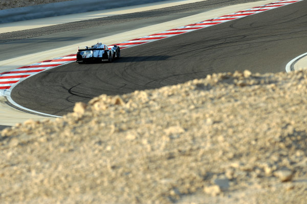 Bahrain, 27th-29th September 2012,Andre Lotterer/Marcel Fassler/Benoit Treluyer Audi Sport Team Joest Audi R18 E-Tron QuattroWorld copyright: Ebrey/LAT Photographic