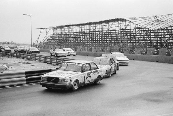 A Volvo 240 leads the field.Macau Guia Race for Touring Cars, Macau, Hong Kong, 30 November 1987.