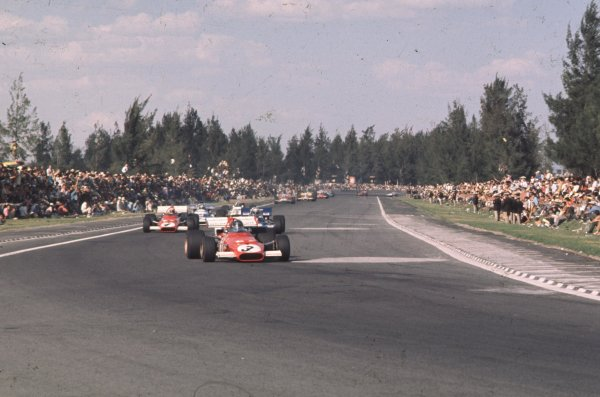 1970 Mexican Grand Prix.Mexico City, Mexico.23-25 October 1970.Jacky Ickx leads Clay Regazzoni (both Ferrari 312B). They finished in 1st and 2nd positions.Ref: 70 MEX 50.World Copyright - LAT Photographic