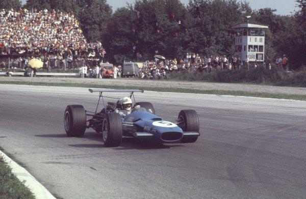 1968 Italian Grand Prix.Monza, Italy.6-8 September 1968.Johnny Servoz-Gavin (Matra MS10 Ford) 2nd position.Ref-68 ITA 73.World Copyright - LAT Photographic