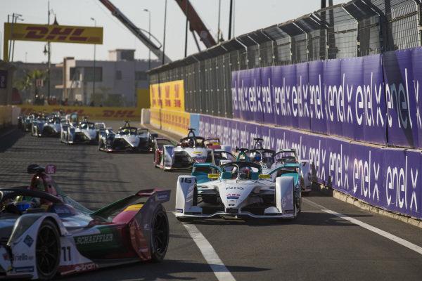 Lucas Di Grassi (BRA), Audi Sport ABT Schaeffler, Audi e-tron FE05, leads Oliver Turvey (GBR), NIO Formula E Team, NIO Sport 004, and Jose Maria Lopez (ARG), GEOX Dragon Racing, Penske EV-3
