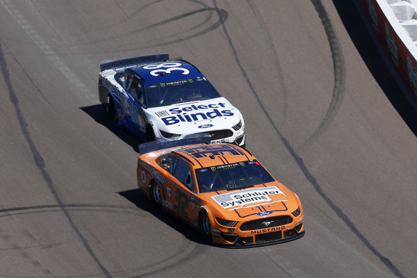 #32: Corey LaJoie, Go FAS Racing, Ford Mustang Schluter and #38: David Ragan, Front Row Motorsports, Ford Mustang Select Blinds