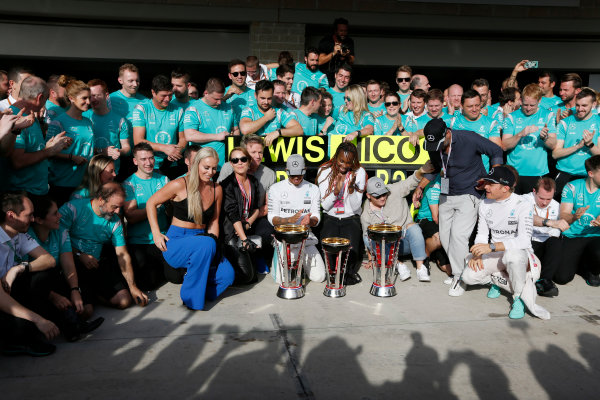 Circuit of the Americas, Austin Texas, USA. Sunday 23 October 2016. Lewis Hamilton, Mercedes AMG, 1st Position, and Nico Rosberg, Mercedes AMG, 2nd Position, celebrate with Skier Lindsey Vonn, Actress Noomi Rapace, Tennis star Venus Williams and the Mercedes team. World Copyright: Sam Bloxham/LAT Photographic ref: Digital Image _SBB2126