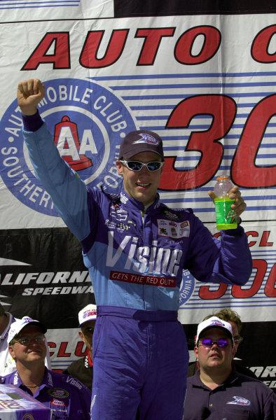 Winner Matt Kenseth in Victory Lane.NASCAR Busch Series Auto Club 300 at California Speedway, Fontana, California, USA, 29 April,2000.-F Peirce Williams 2000 LAT PHOTOGRAPHIC USA