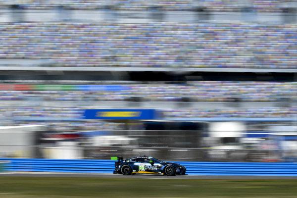 #23 Heart Of Racing Team Aston Martin Vantage GT3, GTD: Ross Gunn, Darren Turner, Ian James, Roman de Angelis