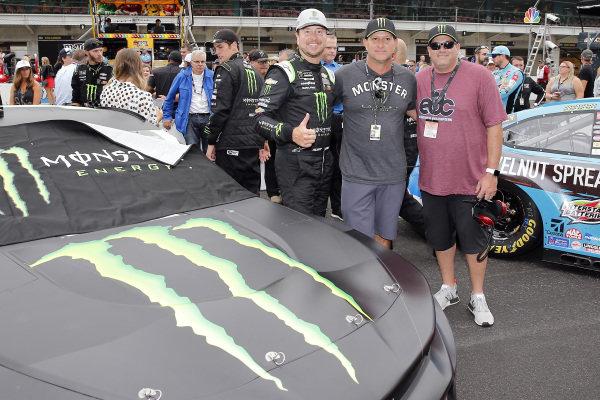 #1: Kurt Busch, Chip Ganassi Racing, Chevrolet Camaro Monster Energy and guests