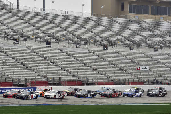 #2: Tyler Reddick, Richard Childress Racing, Chevrolet Camaro Pinnacle Financial Partners and #22: Austin Cindric, Team Penske, Ford Mustang Discount Tire
