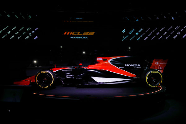McLaren MCL32 Honda Formula 1 Launch. McLaren Technology Centre, Woking, UK. Friday 24 February 2017. The MCL32 is launched. World Copyright: Glenn Dunbar/LAT Images Ref: _31I9347