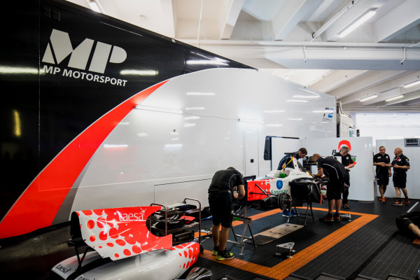 2017 FIA Formula 2 Round 3. Monte Carlo, Monaco. Wednesday 24 May 2017. Mechanics prepare the car of Sergio Sette Camara (BRA, MP Motorsport)  Photo: Zak Mauger/FIA Formula 2. ref: Digital Image _56I4651