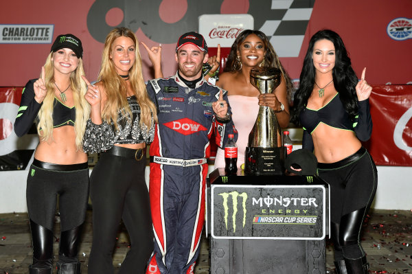 Monster Energy NASCAR Cup Series Coca-Cola 600 Charlotte Motor Speedway, Concord, NC USA Monday 29 May 2017 Austin Dillon, Richard Childress Racing, Dow Salutes Veterans Chevrolet SS celebrates his win in Victory Lane World Copyright: Nigel Kinrade LAT Images ref: Digital Image 17CLT2nk10582