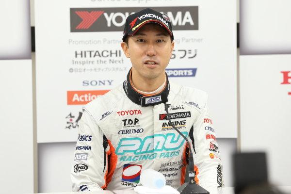 2017 Japanese Super Formula. Suzuka, Japan. 21st - 22nd October 2017. Rd 7. Cancelled race due to Typhoon.  2017 Driver?s Champion Hiroaki Ishiura ( #2 P.MU/CERUMO ? INGING SF14 ) portrait World Copyright: Yasushi Ishihara / LAT Images. Ref: 2017_SF_Rd7_019