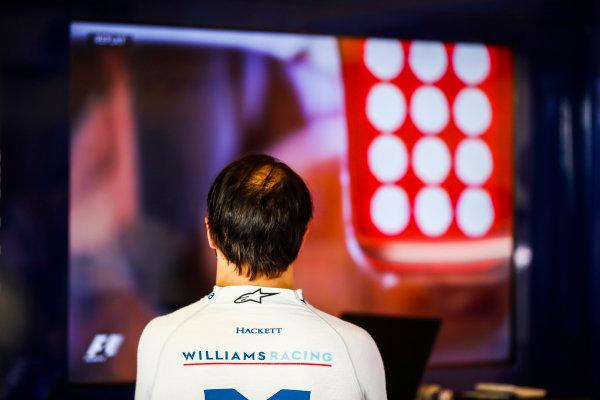 Yas Marina Circuit, Abu Dhabi, United Arab Emirates. Friday 24 November 2017. Felipe Massa, Williams Martini Racing, watches the session on a TV. World Copyright: Glenn Dunbar/LAT Images  ref: Digital Image _X4I5937