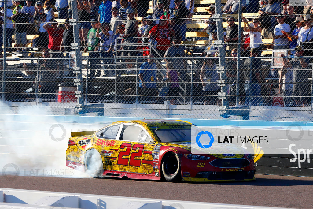 11-13 November, 2016, Avondale, Arizona USA Joey Logano celebrates his win with a burnout ?2016, Russell LaBounty LAT Photo USA