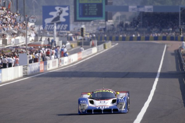 1990 Le Mans 24 Hours. Le Mans, France. 20th - 21st June 1990. Mark Blundell/Julian Bailey/Gianfranco Brancatelli (Nissan R90K) retired, action. World Copyright: LAT Photographic. ref: 90LM07.