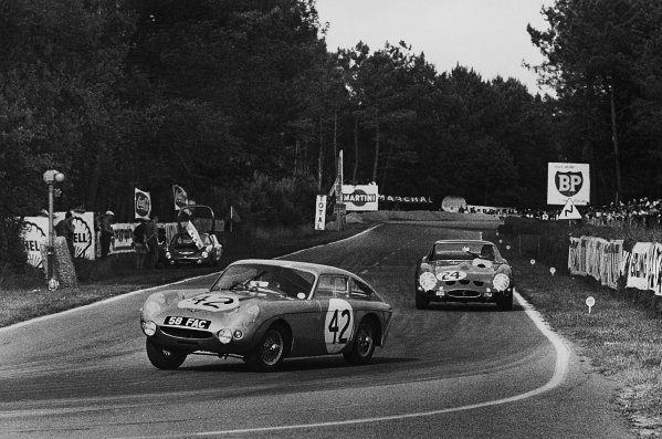 Le Mans, France. 15th - 16th June 1963 John Whitmore/Bob Olthoff (Austin-Healey Sprite 1100), retired, leads Jean Beurlys/Gerard Langlois (Ferrari 250 GTO), 2nd position, action. World Copyright: LAT Photographic Ref:  10451I - 29.