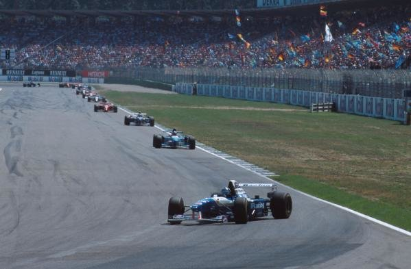 Damon Hill (GBR) Williams FW17 spins into retirement at the first corner of the second lap. German GP, Hockenheim, 30 July 1995