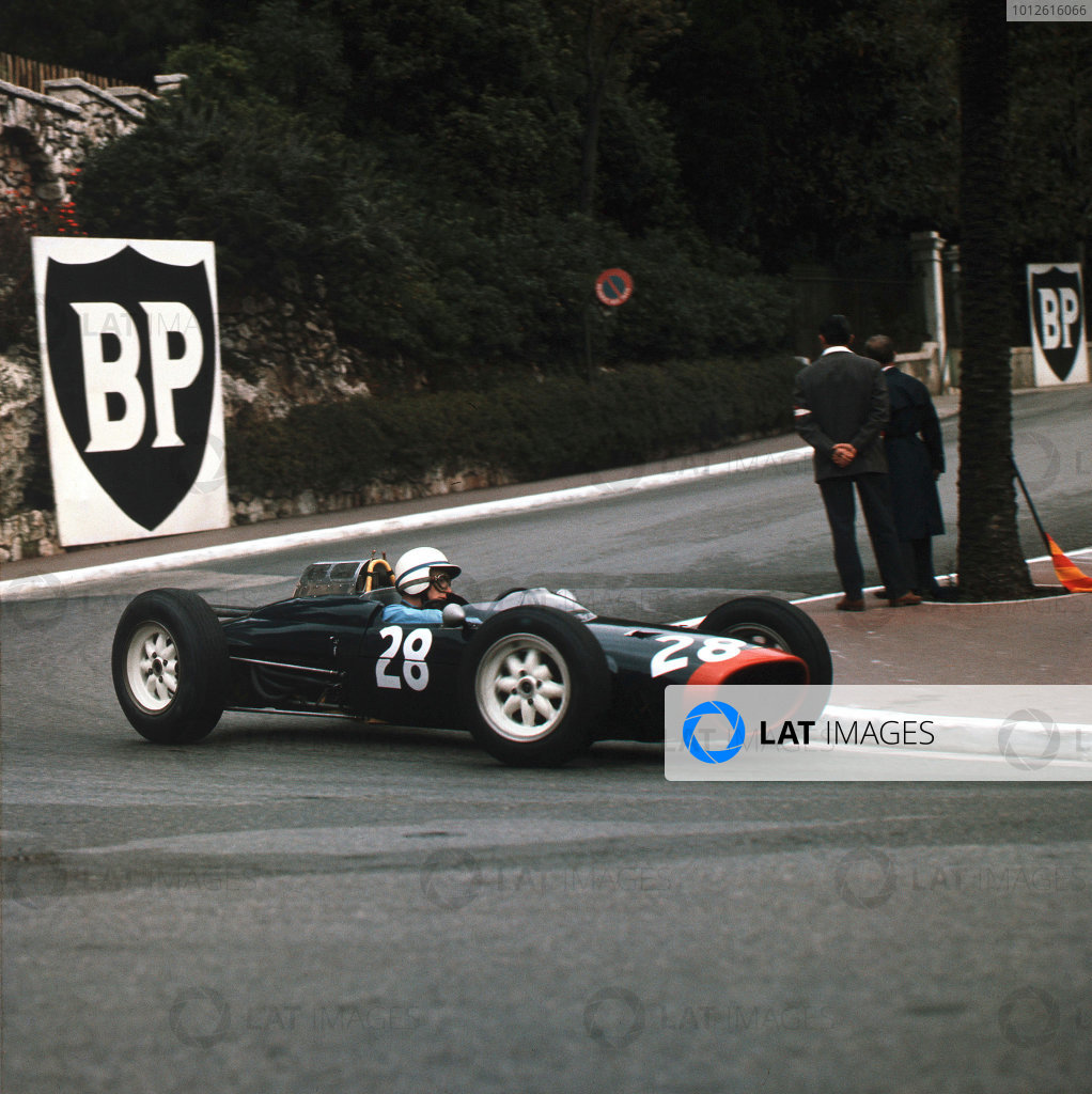 Monte Carlo, Monaco.31/5-3/6 1962.John Surtees (Lola Mk4 Climax) 4th position.Ref-3/0493.World Copyright - LAT Photographic