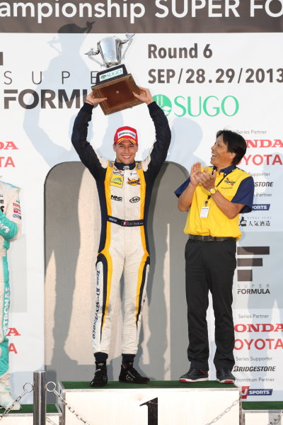 Sportsland Sugo, Japan. 28th - 29th September 2013. Rd 5. Winner Loic Duval ( #8 KYGNUS SUNOCO Team LeMans ) podium World Copyright: Yasushi Ishihara/LAT Photographic. Ref: 2013SF_Rd6_010