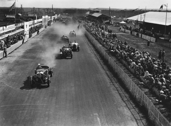 Le Mans, France. 16th - 17th June 1928.Start of the race, action. Ref:  Autocar Glass Plate B6.World Copyright: LAT Photographic.