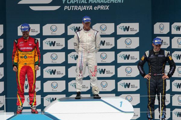 Putrajaya E-Prix, Race. Putrajaya E-Prix, Malaysia - 20th-22nd November 2014. Saturday 22 November 2014. Lucas di Grassi (BRA)/Audi Abt Sport - Spark-Renault SRT_01E Sam Bird (GBR)/Virgin Racing - Spark-Renault SRT_01E Sebastien Buemi (SWI)/E.dams Renault - Spark-Renault SRT_01E  Photo: Michael Hoyer - Jakob Ebrey/LAT/ Formula E ref: Digital Image EL0G1704