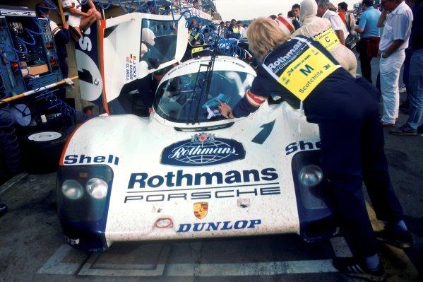 Jochen Mass (GER) / Jacky Ickx (BEL) Porsche 956 makes a pit stop. Le Mans 24 Hours, Le Mans, France, 15 - 16 June 1985.