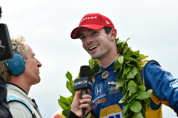 Verizon IndyCar Series IndyCar Grand Prix at the Glen Watkins Glen International, Watkins Glen, NY USA Sunday 3 September 2017 Alexander Rossi, Curb Andretti Herta Autosport with Curb-Agajanian Honda celebrates the win with team in Victory Lane World Copyright: Scott R LePage LAT Images ref: Digital Image lepage-170903-wg-7989