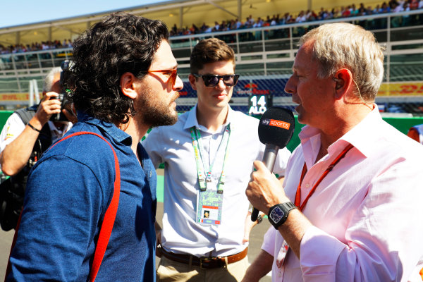 Autodromo Nazionale di Monza, Italy. Sunday 03 September 2017. Martin Brundle speaks to actor Kit Harringotn on the grid. World Copyright: Steven Tee/LAT Images  ref: Digital Image _R3I5993