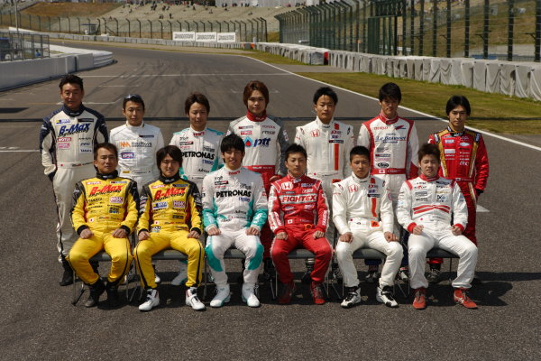 Suzuka, Japan. 13th - 14th April 2013. Rd 1. Drivers group photo, portrait World Copyright: Yasushi Ishihara/LAT Photographic Ref: 2013_JF3_Rd1&2_021