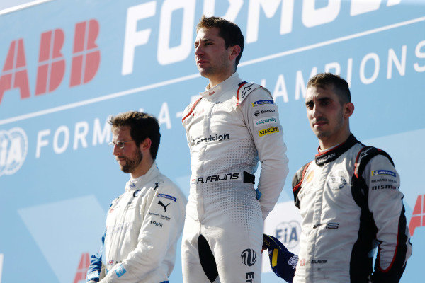 Alexander Sims (GBR) BMW I Andretti Motorsports, BMW iFE.18, Robin Frijns (NLD), Envision Virgin Racing, Audi e-tron FE05, and Sébastien Buemi (CHE), Nissan e.Dams, Nissan IMO1, on the podium