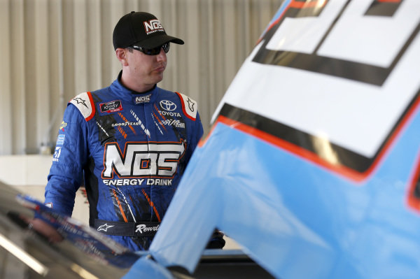 #18: Kyle Busch, Joe Gibbs Racing, Toyota Camry NOS Energy Drink