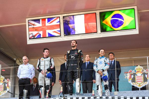 Race winner Jean-Eric Vergne (FRA), DS TECHEETAH on the podium with Oliver Rowland (GBR), Nissan e.Dams, 2nd position and Felipe Massa (BRA), Venturi Formula E, 3rd position