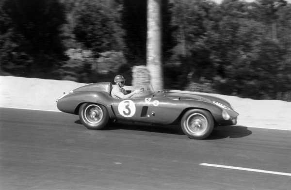 Umberto Maglioli / Phil Hill, Scuderia Ferrari, Ferrari 121 LM.