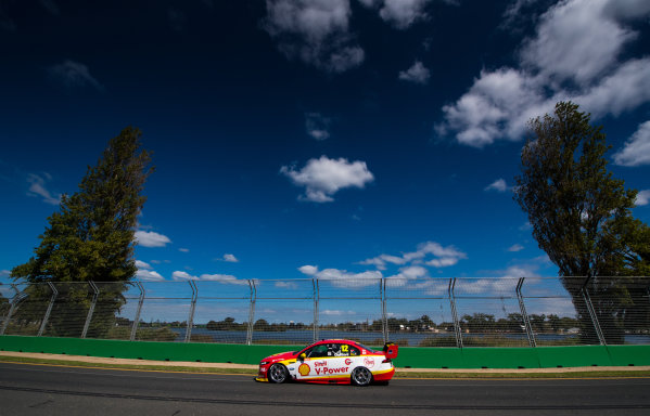 2017 Supercars Championship, Australian Grand Prix Support Race, Albert Park, Victoria, Australia. Thursday March 23rd to Sunday March 26th 2017. Fabian Coulthard drives the #12 Shell V-Power Racing Team Ford Falcon FGX. World Copyright: Daniel Kalisz/LAT Images Ref: Digital Image 230217_VASCAUSGP_DKIMG_0606.JPG