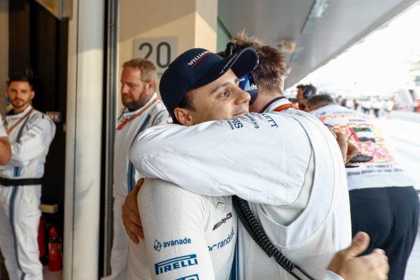 Yas Marina Circuit, Abu Dhabi, United Arab Emirates. Sunday 26 November 2017. Felipe Massa, Williams Martini Racing, prepares for his last race in F1. World Copyright: Glenn Dunbar/LAT Images  ref: Digital Image _X4I8567